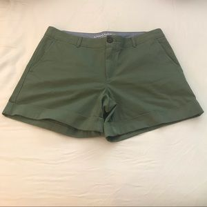 Banana Republic City Chino Green shorts